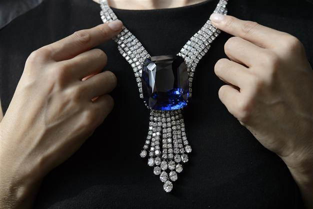 Blue-Belle-of-Asia Top 10 most beautiful diamonds in the world.