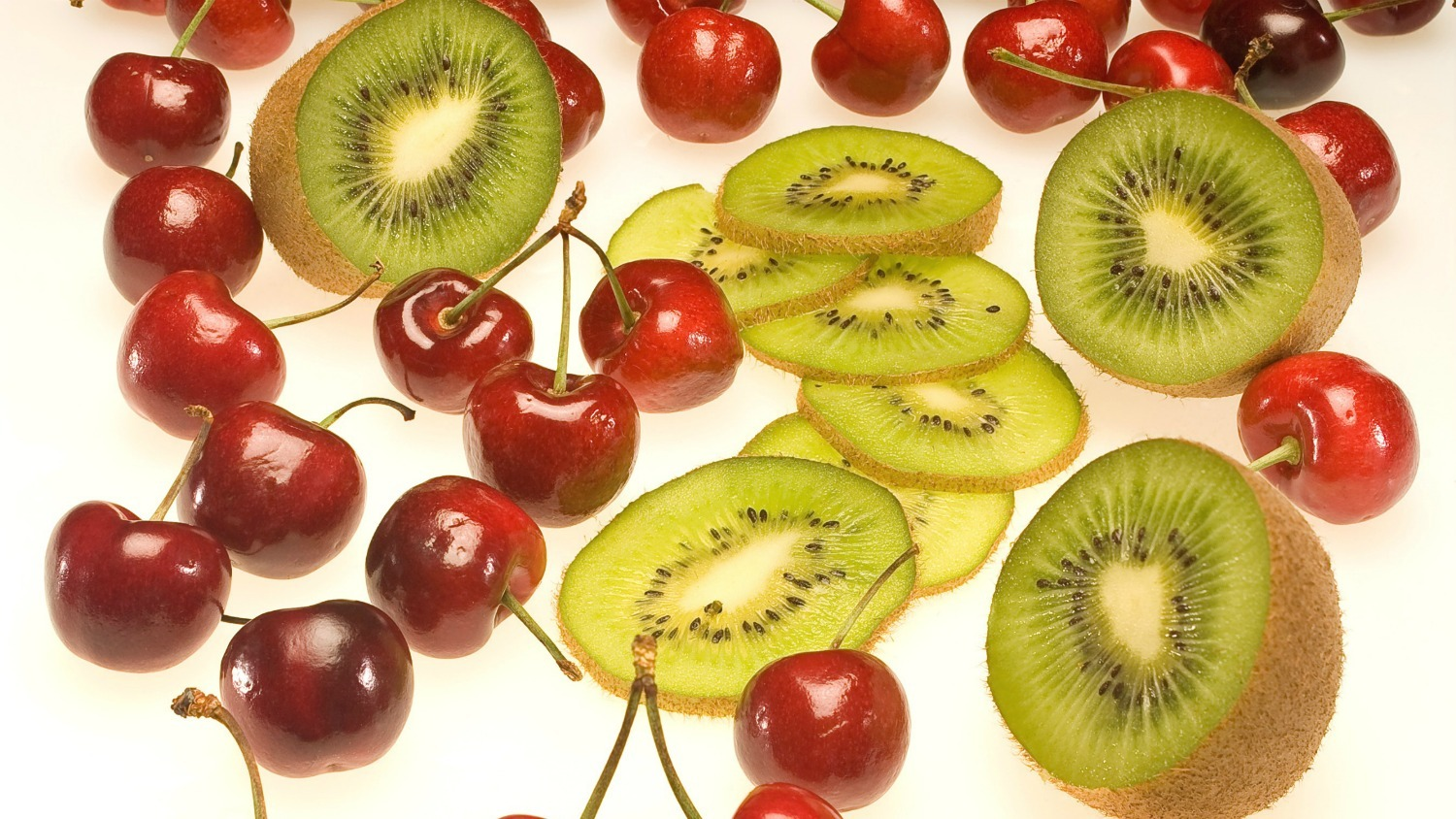 Cherry-Kiwi Antioxidant rich fruit juices help prevent cancer.  %Post Title, %Image Name