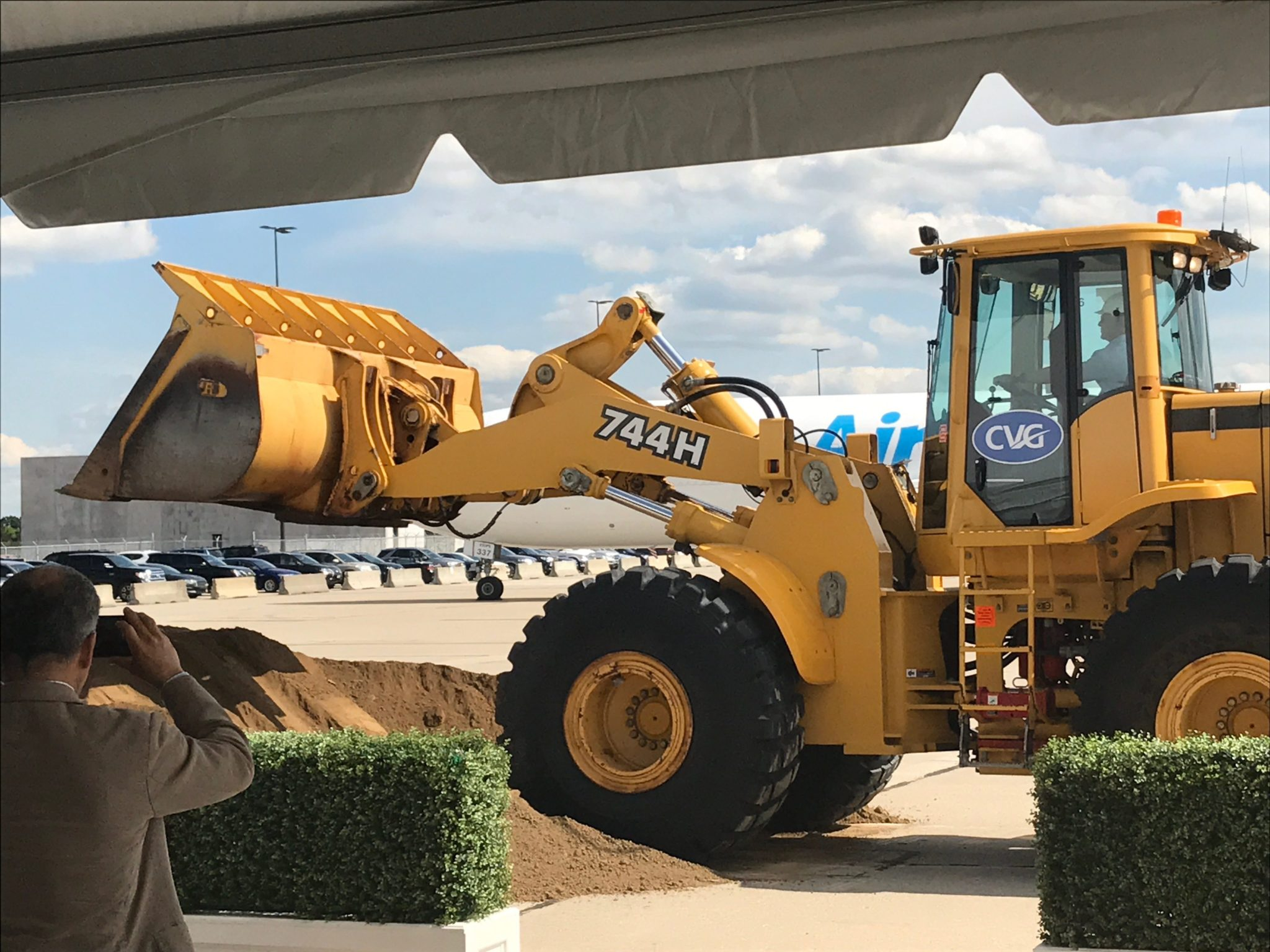 Jeff-Bezos-drives-a-bulldozer-at-Amazon-airport-project-2 Jeff Bezos drives a bulldozer at Amazon's airport project.