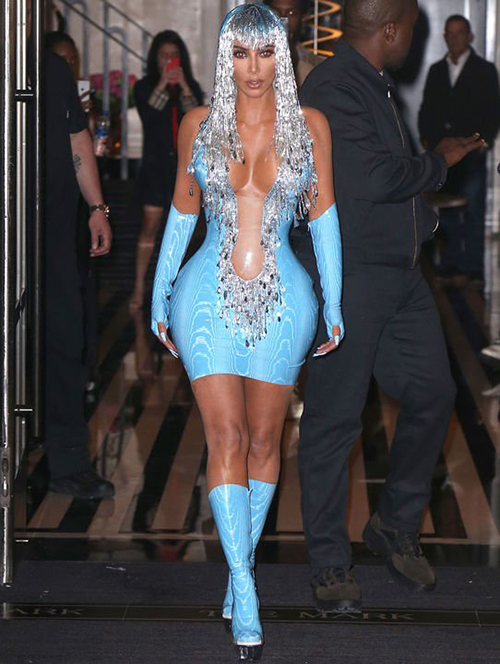 Kim-Kardashian-1 Kim's dress in Met Gala: Can't sit.