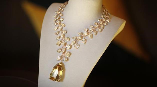 LIncomparable-Diamond-necklace Top 10 most beautiful diamonds in the world.