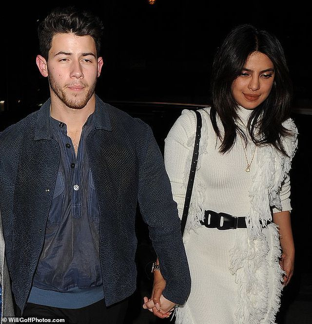 Priyanka-Chopra-2 Priyanka Chopra happily holds Nick Jonas's hand to dinner