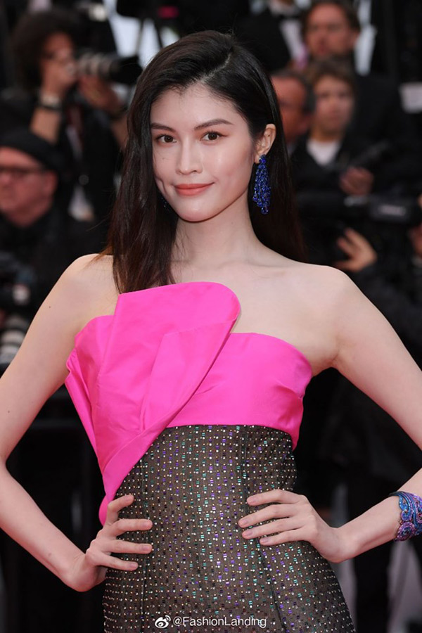 Sui-He-4 Sui He's wearing the shocking costumes on Cannes red carpet