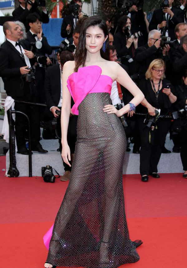Sui-He Sui He's wearing the shocking costumes on Cannes red carpet