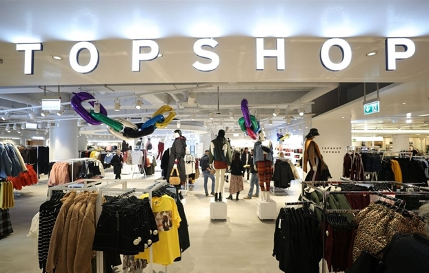 topshop-closed-in-america Warren Buffett warned that escalating US-China trade war will negatively affect the world.
