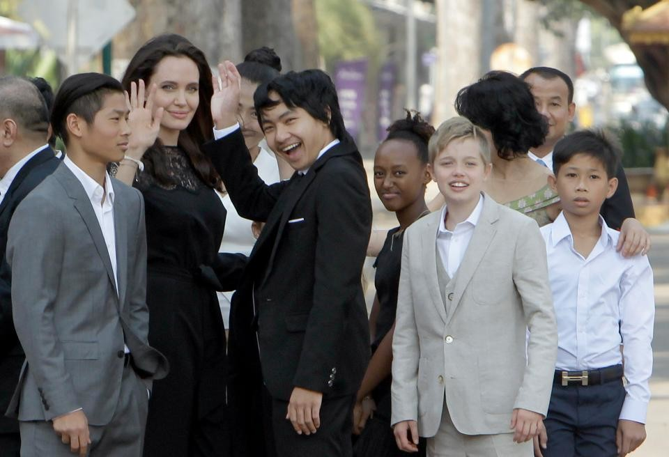 Jolie-and-her-children Maddox is the only person chosen by Angelina Jolie to entrust the entire property.